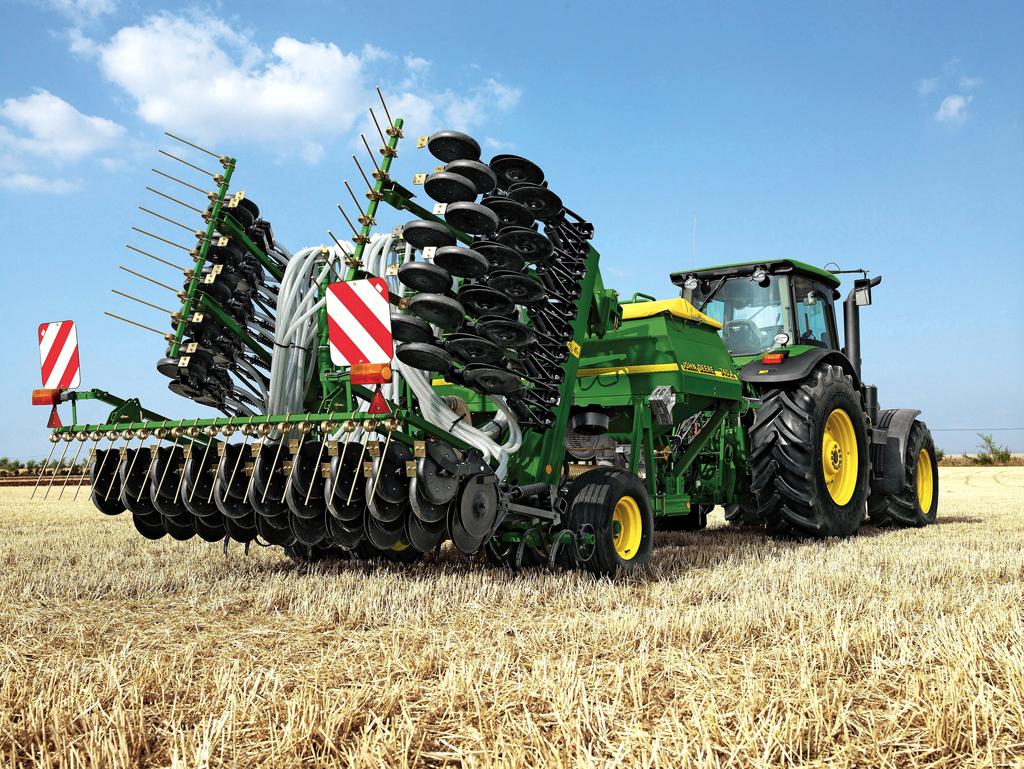 Поздравлением днем, картинки сельскохозяйственные машины