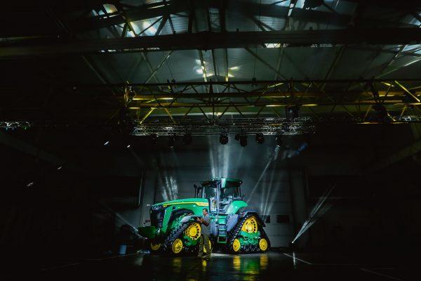 Презентация нового трактора John Deere
