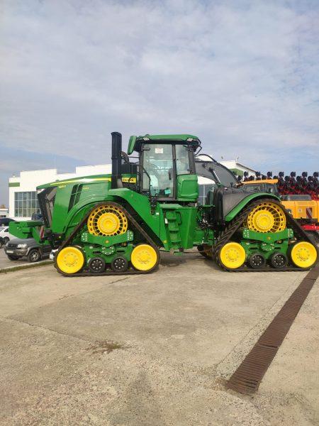 Новинка 2021 года — трактор John Deere 9RX 640 — прибыла в Россию!